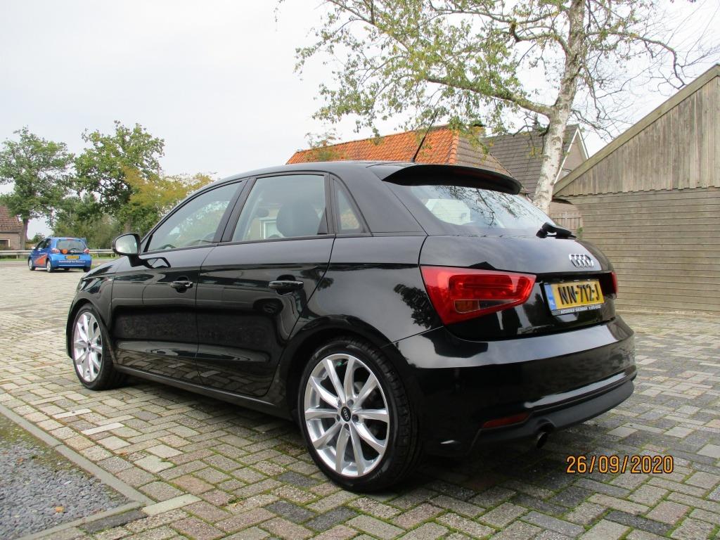 Audi A1 Sportback 1.4 TDI Aut. Leer 17 inch Navi foto's